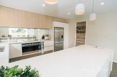 Kitchen Island, Kitchen Cabinets, Kitchens, Table, Kitchen Ideas, Furniture, Design, Home Decor, Island Kitchen