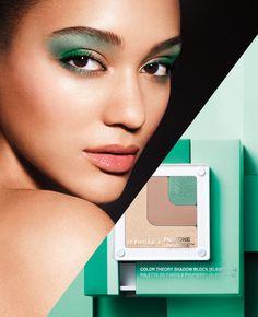 Emerald Hot Now: Color Grid Shadow Block in Eclipse. #Sephora #SephoraPantone #ColoroftheYear #HotNow
