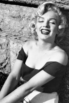 Marilyn Monroe....she's amazing!