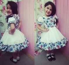 Vestido de china chilena Baby Girl Dresses, Baby Dress, Flower Girl Dresses, Dress Girl, Frocks, Free Pattern, Harajuku, Kids Fashion, Costumes