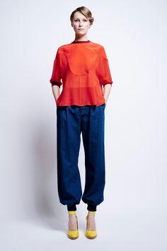 http://www.vogue.com/fashion-shows/pre-fall-2016/karen-walker/slideshow/collection