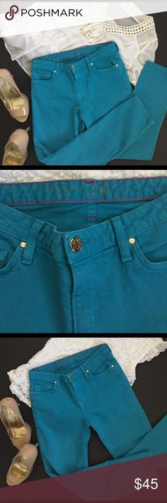 ⚡️FLASH SALE⚡️ Kate Spade Perry St. denim Great used condition! Beautiful teal blue color! Goes great with a white blouse and heels. Size 28. No visible wear or damage! Ankle length! kate spade Jeans Skinny