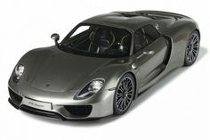 For more cool pictures, visit: http://bestcar.solutions/porsche-918-spyder-112-scale-by-gt-spirit