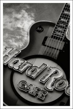 Hard Rock Cafe Nashville  [photo by Travis Sweet, via Flickr]