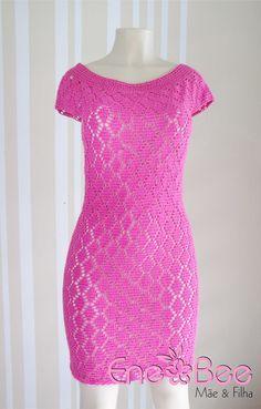 Vestido de crochê forrado feito em lã cristal;  Tamanho M