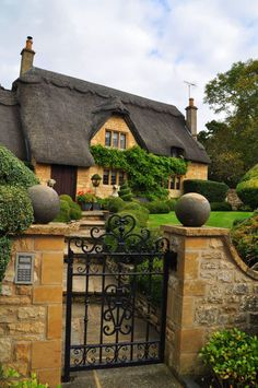 England Travel Inspiration - English cottage in Chipping Campden…