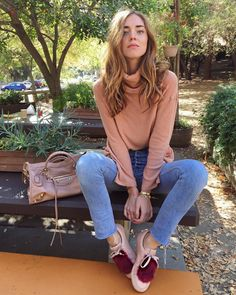 Chiara Ferragni having breakfast in the woods wearing all blush @josefinasportugal #sneakers #josefinasportugal