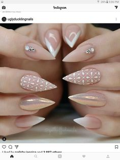 Why are stiletto nails so amazing? We have found the very Best Stiletto Nails for 2018 which you will find below. Having stiletto nails really makes you come off as creative and confident. You can be that fierce girl you always wanted to be! Fabulous Nails, Gorgeous Nails, Pretty Nails, Pink Nail Designs, Acrylic Nail Designs, Nails Design, Acrylic Nails, Stiletto Nail Designs, Nude Nails