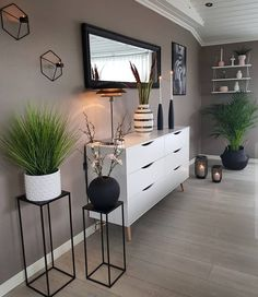 31 brilliant solution small apartment living room decor ideas and remodel 17 Home Living Room, Apartment Living, Living Room Designs, Living Room Decor, Bedroom Decor, Decor Room, Living Spaces, Home Decor Furniture, Apartment Furniture