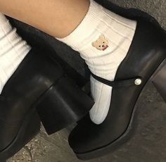 Find images and videos about grunge, shoes and aesthetic on We Heart It - the app to get lost in what you love. Dr Shoes, Sock Shoes, Cute Shoes, Me Too Shoes, Shoes Sneakers, Harajuku, Aesthetic Shoes, Aesthetic Clothes, Travel Aesthetic