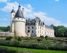 Lovely giant turret (Château de Chenonceau, France) could I live here?
