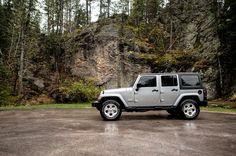 Silver Jeep Wrangler Unlimited Sahara