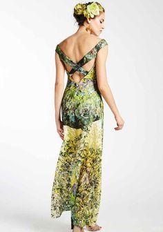 Quand la nature inspire les créateurs... Robe longue dos nu à motif végétaux Save The Queen - Collection printemps / été 2017. A retrouver dans notre boutique New Capucine à Vesoul.