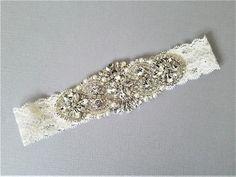 elegant wedding garter set WHITE C15-C Floral Wedding Garter Set NO SLIP grip vintage rhinestones bridal garter