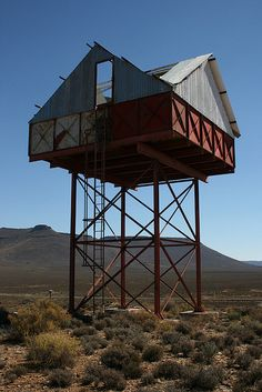 Strange water-tower/house on stilts outside Calvinia Invisible Cities, House On Stilts, Tower House, House Deck, Interesting Buildings, Tiny House Movement, Water Tower, Dream House Plans, Built Environment