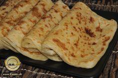 Msemen sind marokkanische, blättrige Teigfladen. Die gibt es zum Frühstück oder Nachmittags zum Tee. Am besten schmecken die noch warm/l...