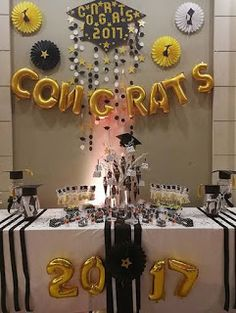 21 Awesome Graduation Decorations and Ideas – # Awesome Party - Decoration For Home Graduation Party Planning, College Graduation Parties, Graduation Party Foods, Graduation Celebration, Graduation Party Decor, Grad Parties, Graduation Ideas, Graduation Desserts, Outdoor Graduation Parties