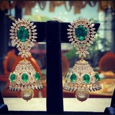 Indian Jewelry Sets, Indian Wedding Jewelry, Bridal Jewelry, India Jewelry, Indian Bridal, Emerald Jewelry, Diamond Jewelry, Diamond Earrings, Jhumkas Earrings