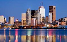 In addition to being the cultural, entertainment and financial capital of Canada, Toronto happens to be incredibly romantic! Philadelphia Skyline, Capital Of Canada, Las Vegas Hotels, Four Seasons Hotel, Honeymoon Destinations, New York Skyline, Cruise, City Skylines, Water