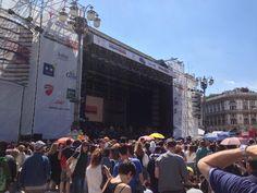 Radio Italia Live, concerto a Milano, prove in corso e piazza Duomo già gremita