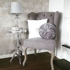 #Repost @stinepl89 Vingestoler fra #classicliving #interior125 #finehjem #elegancehomes #home4inspo #interior4you #interior #interior123 #heminspiration #lovleyinterior #inspire_me_home_decor #dream_interior #interiorworld #interior4all #charminghomes #interiorandhome #homedecor #stol