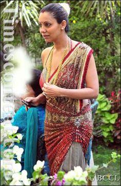 gauri khan in saree - photo #41