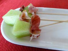 een heerlijk eenvoudig voorgerecht: meloen met rauwe ham