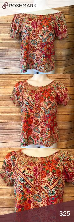 BTS2018 Gorgeous EUC Top from Ralph Lauren! Gorgeous EUC XL top by Ralph Lauren! Vibrant Multicolor print can be worn off or on the shoulders. 100% cotton. Sexy and romantic. Smoke free and pet friendly home ❤️🐶😽 Lauren Ralph Lauren Tops