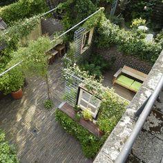 Creëren van een binnenplaats dmv betongaas. Leuk idee