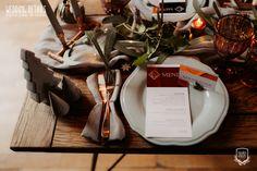 Industrial Winter Wedding / Nuntă industrială de iarnă - Sedință foto inspirațională - PAPIRA Wedding Place Cards, Wedding Menu, Wedding Paper, Wedding Table, Grooms Table, Copper Decor, Table Set Up, Sweetheart Table, Industrial Wedding