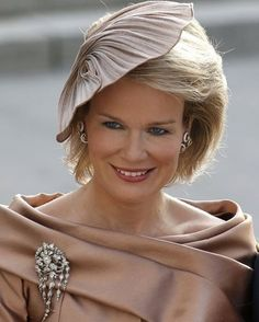 A bery #beautiful #Queen_Mathilde of #Belgium #earrings #Brooch