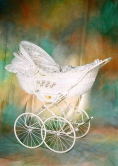 0135B_bílý_P4x400_2 Pram Stroller, Baby Strollers, Silver Cross Prams, Baby Boy Accessories, Vintage Pram, Prams And Pushchairs, Dolls Prams, Baby Buggy, Baby Prams