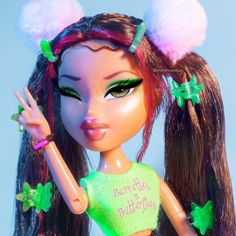 🍏 ✨CONTEST TIME✨🍏 *CLOSED* highly requested and last one for a whiiiile. im gonna turn one of you guys into a photo. Bratz Doll Makeup, Bratz Doll Outfits, Cute Profile Pictures, Cartoon Profile Pictures, Red Pictures, Cartoon Icons, Cartoon Art, Baby Cartoon, Cartoon Characters