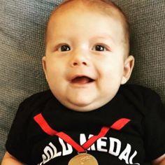 Filho de Michael Phelps passa dos 100 mil seguidores na web