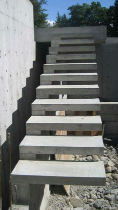 concrete stairs design at The technology of the concrete staircase Cantilever Stairs, Concrete Staircase, Floating Staircase, Concrete Steps, Precast Concrete, Staircase Design, Staircase Ideas, Concrete Floors, Beton Design