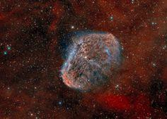 #Astronomy: Bicolor image of the Crescent Nebula