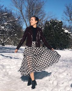 Style Inspiration by Find Your Style With Your Style, Midi Skirt, Finding Yourself, Style Inspiration, Skirts, Instagram, Fashion, Moda, Skirt