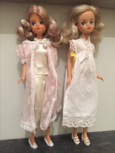Mary Quant Daisy dolls in bedtime sleep outfits