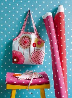 Free Red Brolly sewing projects and patterns - Red Brolly Polka Dot Walls, Polka Dots, Red Brolly, Polka Dot Party, Handmade Purses, Quilted Bag, Fabric Bags, Girls Bags, Purses And Bags