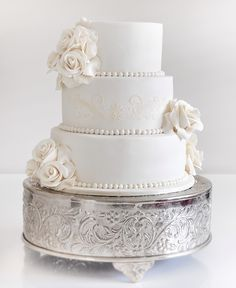 Break Tradition with These 43 Trendy Wedding Cakes. To see more: http://www.modwedding.com/2014/01/22/43-wedding-cakes/ #wedding #weddings #cakes... Personalized Cake serving sets... | http://thevineyard.carlsoncraft.com