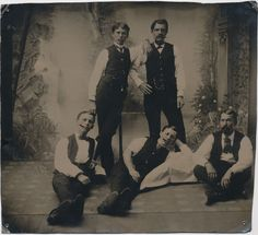 Some of the Earp brothers and Doc Holiday. Warren Earp is leaning on Doc Holliday. James Earp is all the way to the right. The two lying on the floor are probably Wyatt and Morgan. Us History, American History, American Art, Native American, Old West, Old Pictures, Old Photos, Earp Brothers, Wild West Outlaws