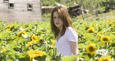 """Kristen Stewart as Jessica """"Jess"""" Solomon: The Messengers Kristen Stewart Fan, Kristen Stewart Movies, Hollywood Life, Hollywood Stars, Popsugar, Dylan Mcdermott, Are You Not Entertained, The Messenger, She Was Beautiful"""