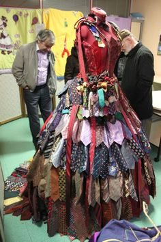 this dress is incredible! Love all of the various layers of ties Old Ties, Recycled Dress, Tie Crafts, Quirky Fashion, Recycled Fashion, Dress Form, Tie Dress, Fashion Show, Fashion Design