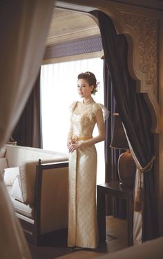 One of the most beautiful traditional wedding dress design. Thai Traditional Dress, Traditional Wedding Dresses, Traditional Outfits, Thai Wedding Dress, One Shoulder Wedding Dress, Thailand Wedding, Thai Dress, Wedding Costumes, Thai Style