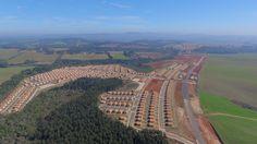 O lugar para você construir sua casa é aqui! Residencial Alvorada. Excelente infraestrutura,terrenos a partir de 200m² e financiamentos em até 96x diretamente com a incorporadora. Tudo isso é muito bom não é mesmo? Então venha conhecer, e garanta já o seu lugar aqui. Plantão :Travessa Rio de Janeiro, 100, Castro - PR - Loteamento :Próximo à AABB - (42) 3232-1312 Corretor: (42) 8833-0645