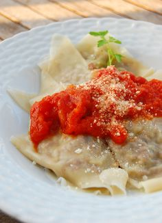 Beef Ravioli! Simplify homemade ravioli with wonton wrappers! #smarterbeef