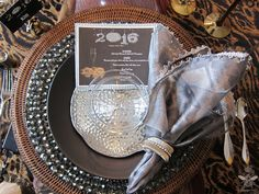 A Graceful Table: New Year's Eve Glamorama New Years 2016, New Years Eve, Tablescapes, Gardening, Entertaining, Cooking, Style, Kitchen, Swag