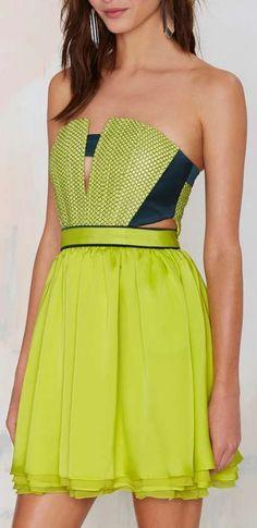 moretz strapless dress LOVE the bodice, dislike the flowy bottom. Would prefer a pencil skirt