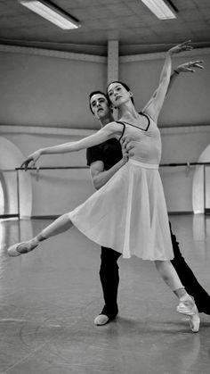 Hannah O'Neill and Mathias Heymann in rehearsal for Other Dances- Photo by Sebastien Mathe