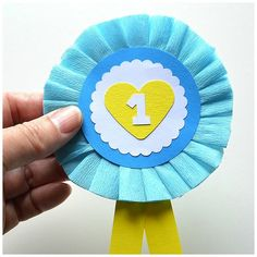 Crafting a rosette for Mother& Day - Crafting a rosette for Mother& Day Moodkids - Grandparents Day Crafts, Fathers Day Crafts, Diy And Crafts, Arts And Crafts, Paper Crafts, Diy Paper, Diy For Kids, Crafts For Kids, Hobby Horse